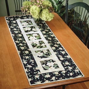 Garden Path table runner pattern