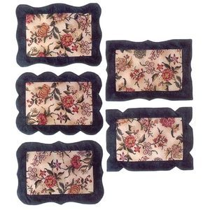 One fabric many frames placemats